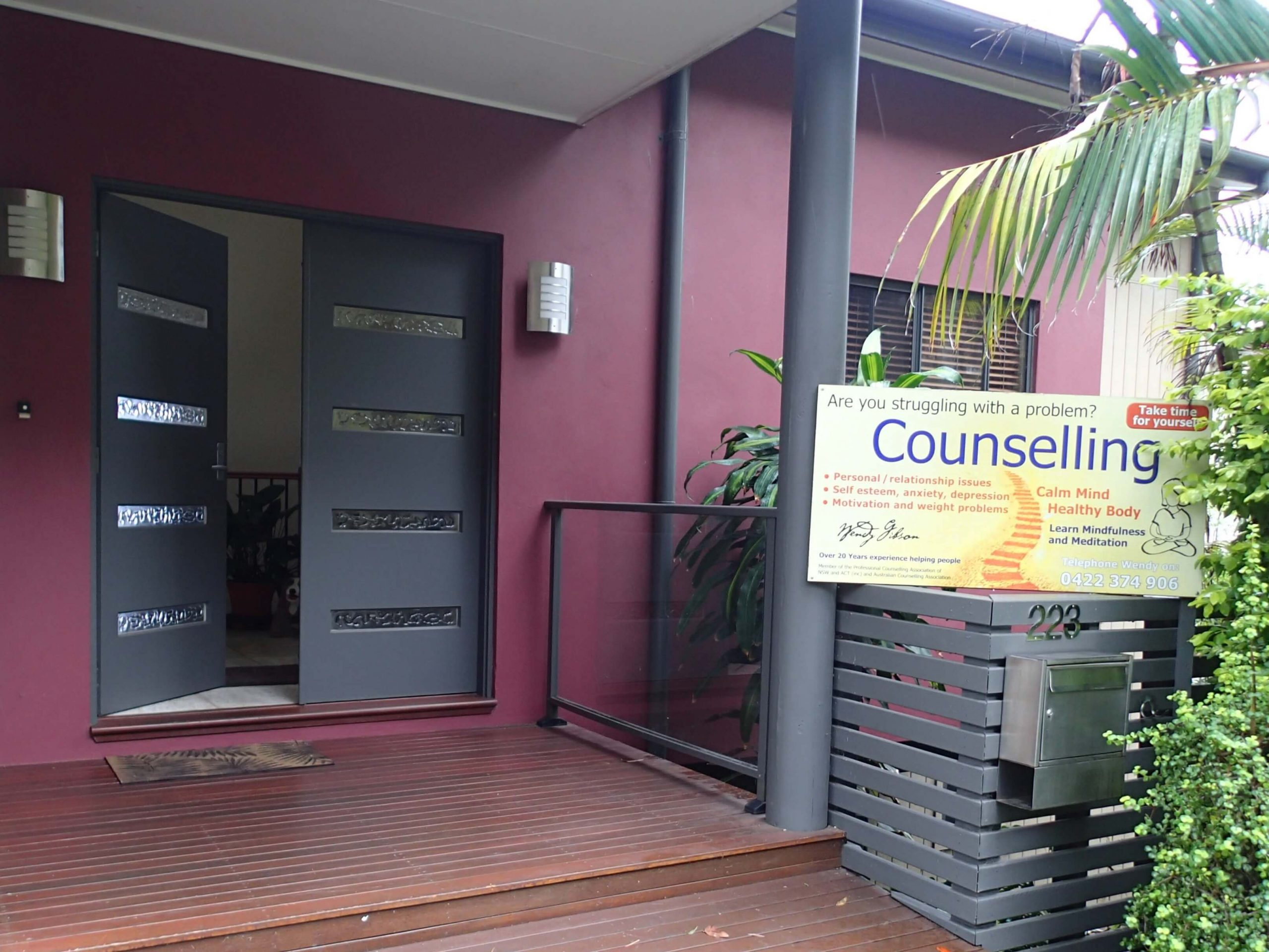 Photo showing Wendy's practice and how counselling helps relationships